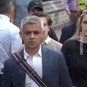 Failed London Mayor @sadiq SUCKS! #Brexit #BrexitNow Repost @filthyliberals…