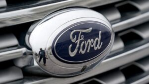 Read more about the article Union warns Ohio workers that Ford plans to move new vehicle construction to Mex