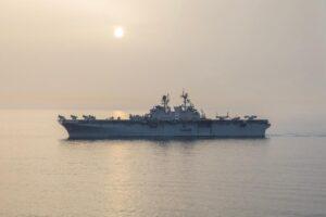 The #USNavy Amphibious assault ship #USSMakinIsland transits the #StraitOfHormuz