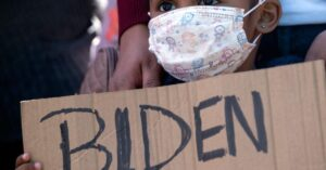 Read more about the article Poll: By sizable margin, voters blame Biden not Trump for border crisis