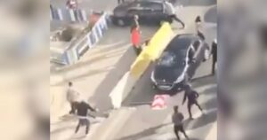 Rival Groups Clash in Broad Daylight in Paris Suburb