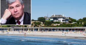 Read more about the article (D-RI) Sheldon Whitehouse under fire for membership at all-white Rhode Island be