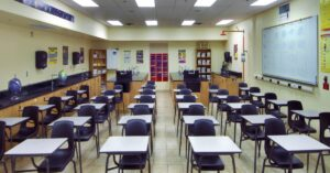 Read more about the article Teachers union agrees to promote critical race theory, debate mandatory vaccination for students