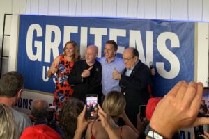 Read more about the article HUNDREDS Turn Out to See Eric Greitens with Rudy Giuliani, Bernard Kerik and Jessie Jane Duff in Robertsville, MO (Video)