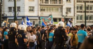 Read more about the article Mass Protests in Greece in Response to Unvaccinated Being Banned From Social Life