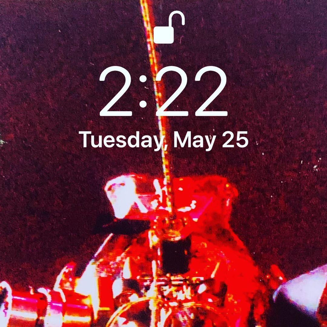 It's 2:22