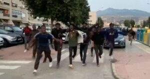 Read more about the article Hundreds of African Migrants Storm Spanish City