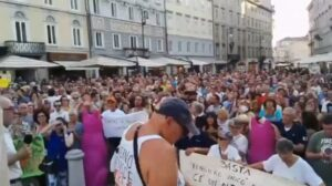 """""""Trieste, thousands of citizens in revolt against health passport. Tomorrow in e"""