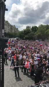 """Read more about the article BREAKING: Massive crowd outside the Eiffel Tower chanting """"Macron Demission, Mac"""