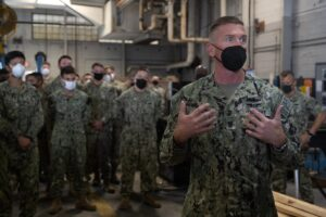 Read more about the article Force Master Chief Jason Knupp , Naval Surface Force Atlantic, visits Amphibious