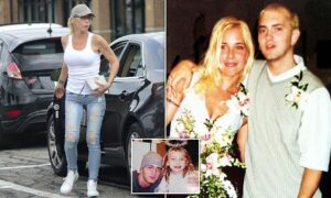 Read more about the article Eminem's ex-wife Kim Scott was found 'bleeding excessively in her bathroom' afte