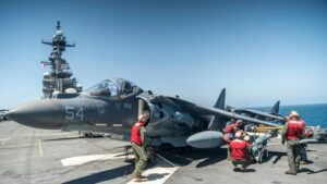 Read more about the article Feed the Beast  #Marines with VMA-214, @11thMEU, install joint direct attack mun