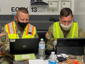 Read more about the article Lt. Col. Andy Yount (left) and Capt. Ben Waring, both with @PittsburghUSACE, wor