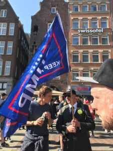 Read more about the article The INCREDIBLE Trump Flag at the Amsterdam PR0T€$T! Waving PROUD'N FREE