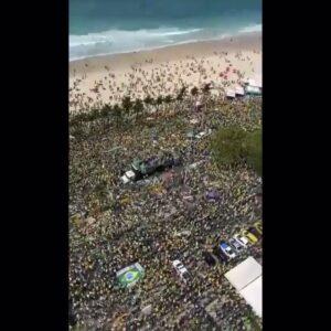 Read more about the article Copacabana Beach today in Rio  BOLSOBROS!!!  @BolsoFren