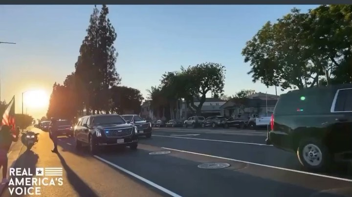 You are currently viewing Joe Biden's motorcade gets booed at in Long Beach, California.