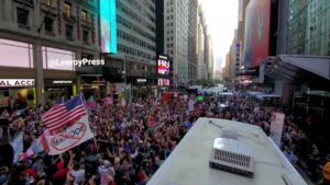 Read more about the article Massive crowd takes over Time Square in NYC for the World Freedom rally. The pro